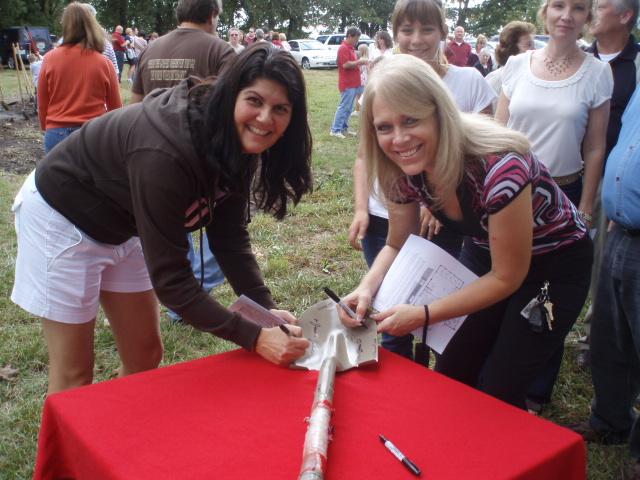 Shovel Signing